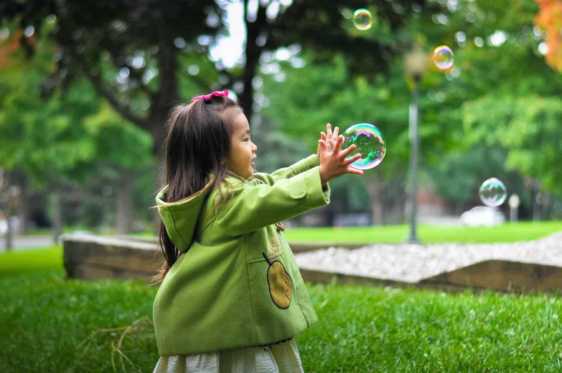 ¿Niños chinos cosiendo balones?